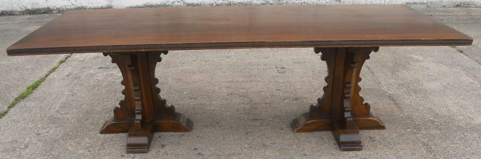 Top Antique Tudor Dining Room Table and Chairs 962 x 319 · 125 kB · jpeg
